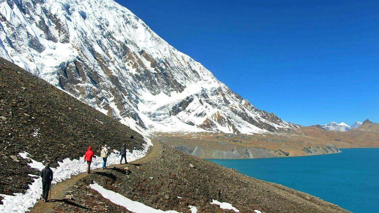 tilicho-lake-trek-from-tilicho-base-camp