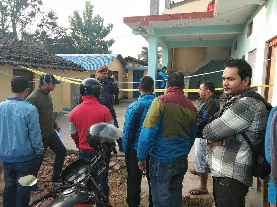 police-inspecting-murder-report-of-bijay-at-mudered-area