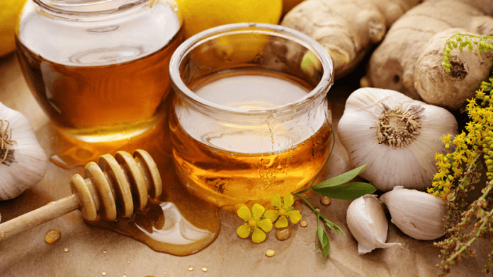 garlic-paste-and-honey-benefits